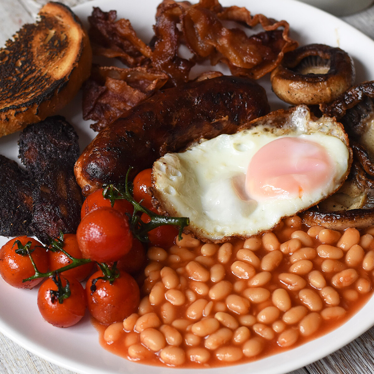 Ezen a képen: Egyszerű angol reggeli