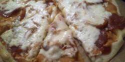 Vékony tésztás pizza tönkölylisztből