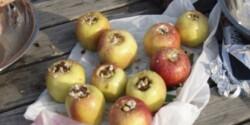 Töltött alma vaníliamártással