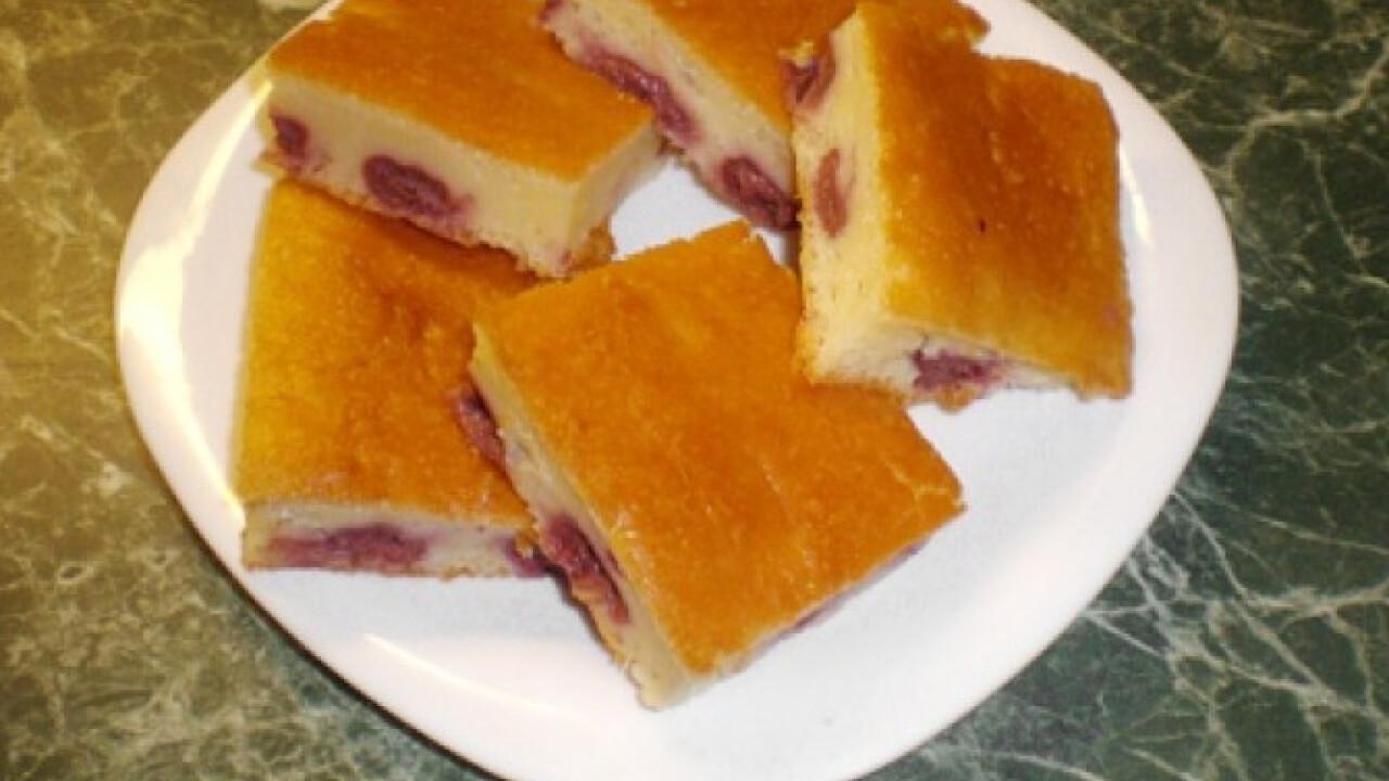 Joghurtos-meggyes sütemény