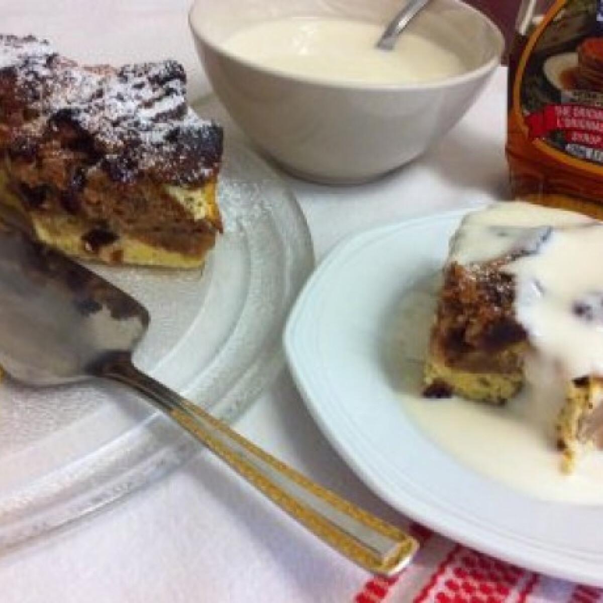 Ezen a képen: Sütimentő süti juharszirupos joghurtöntettel