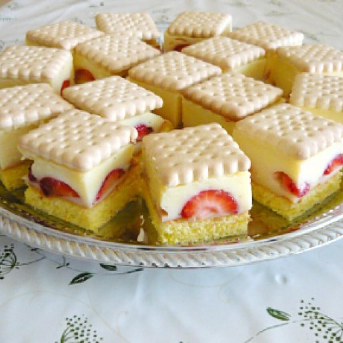 Ezen a képen: Epres-kekszes piskóta