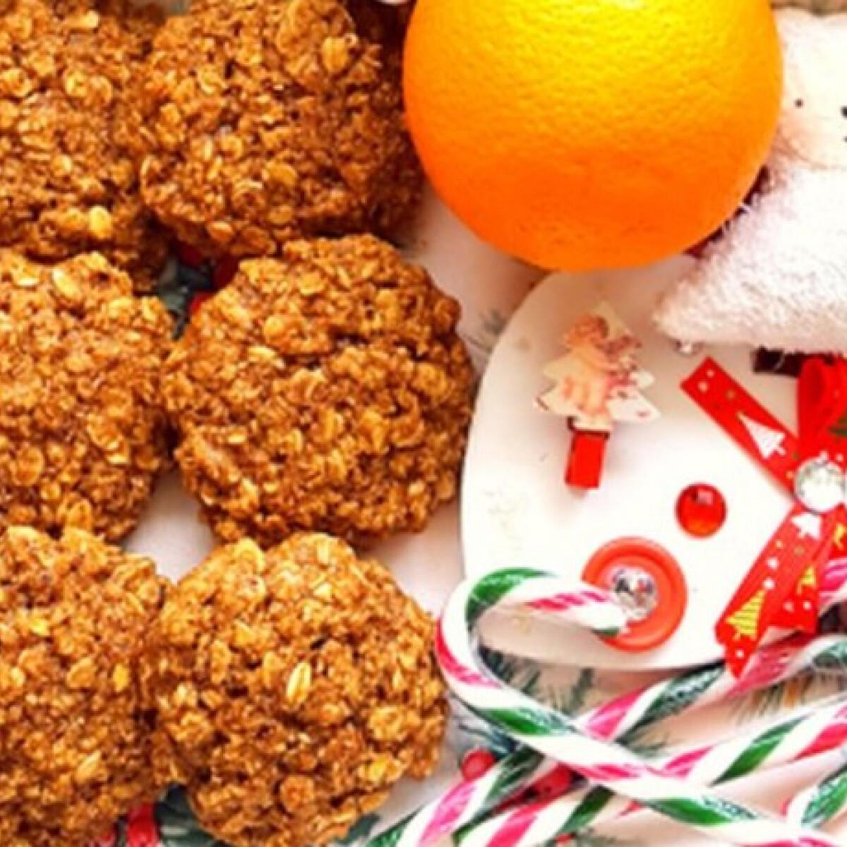 Ezen a képen: Narancsos-mogyorós kekszek