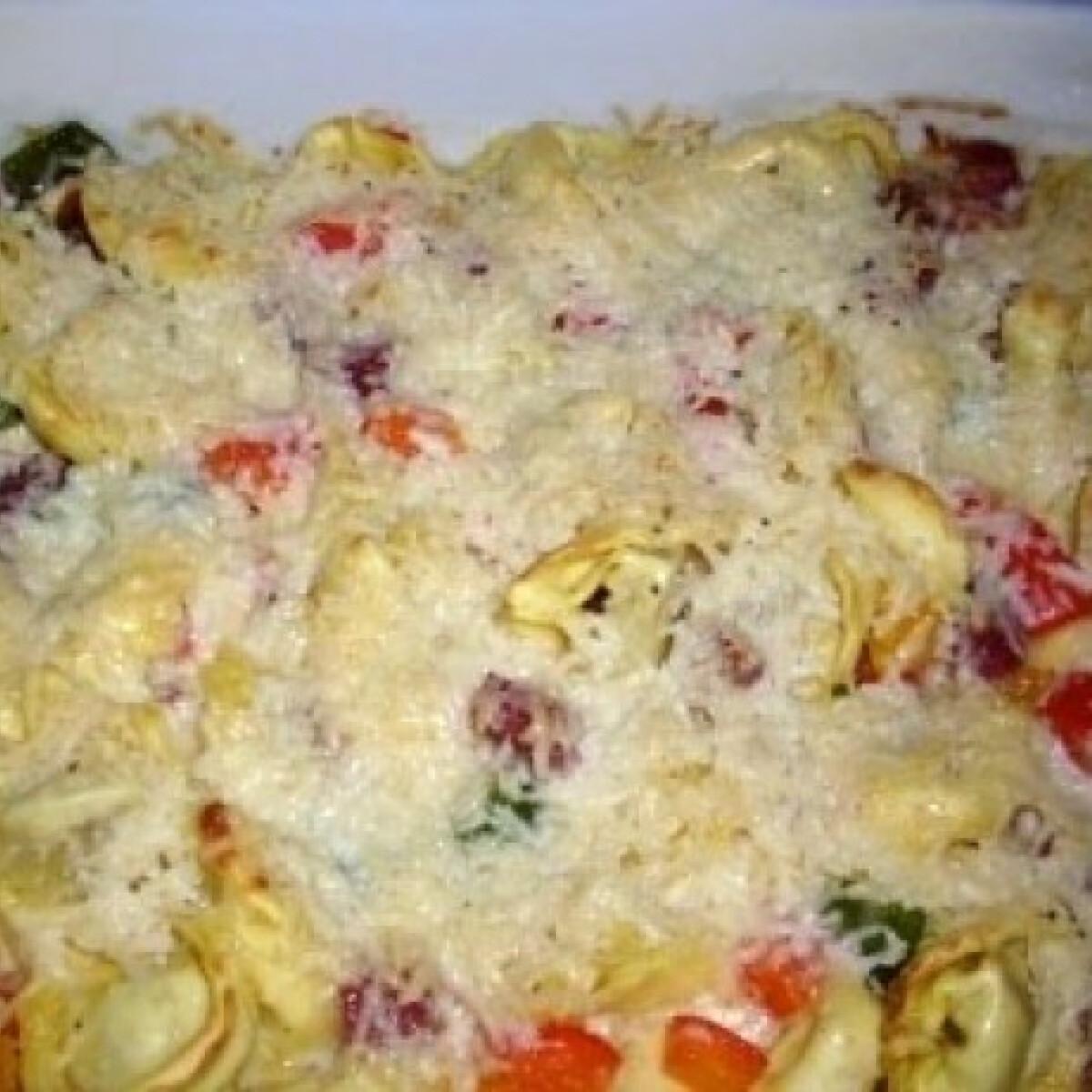 Ezen a képen: Tortellini al forno