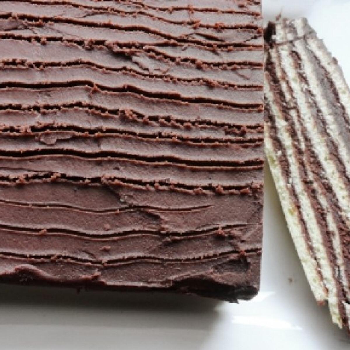 Ezen a képen: Csokoládés szelet Glaser konyhájából