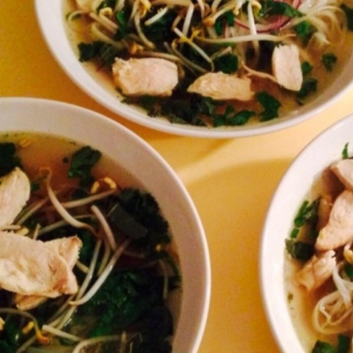 Ezen a képen: Vietnami pho leves