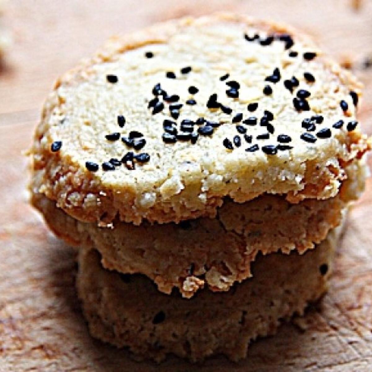 Ezen a képen: Nigellás rokfortos keksz