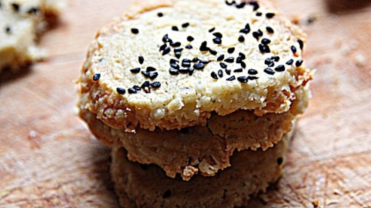 Nigellás rokfortos keksz