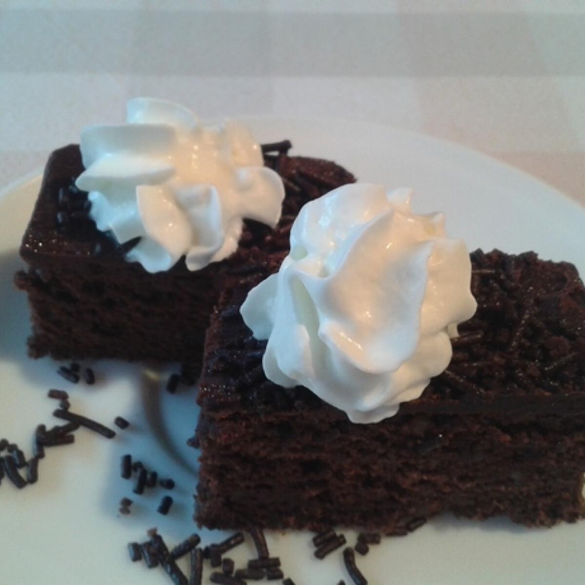 Ezen a képen: Brownies Tekovacs konyhájából