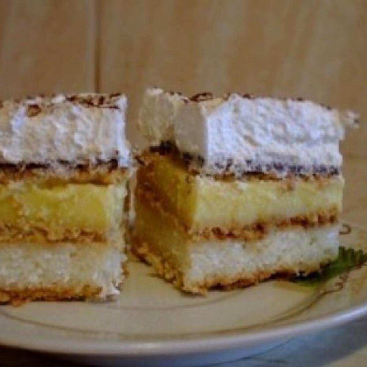 Ezen a képen: Kekszes süti