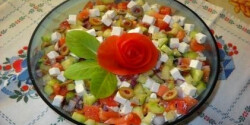 Görög saláta 4.