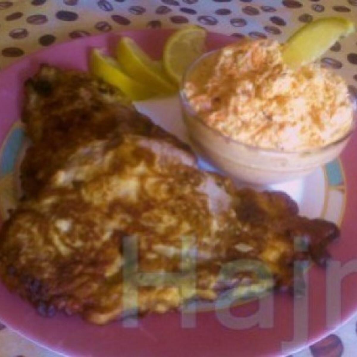 Ezen a képen: Mézes-mustáros szelet káposztasalátával