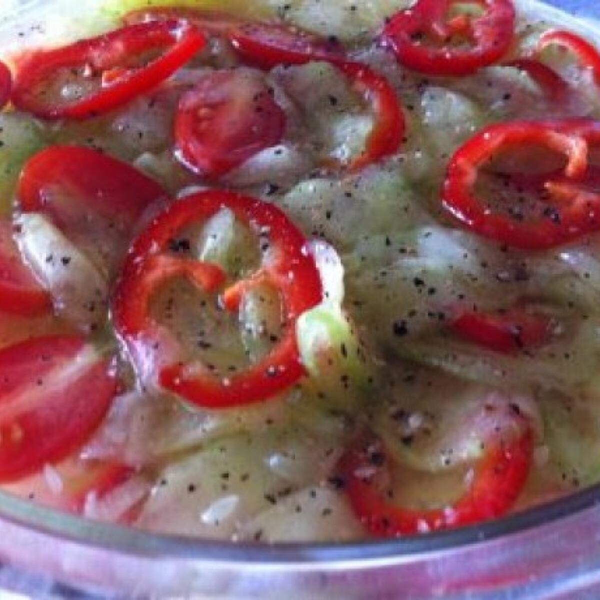 Fokhagymás paprikás uborkasaláta