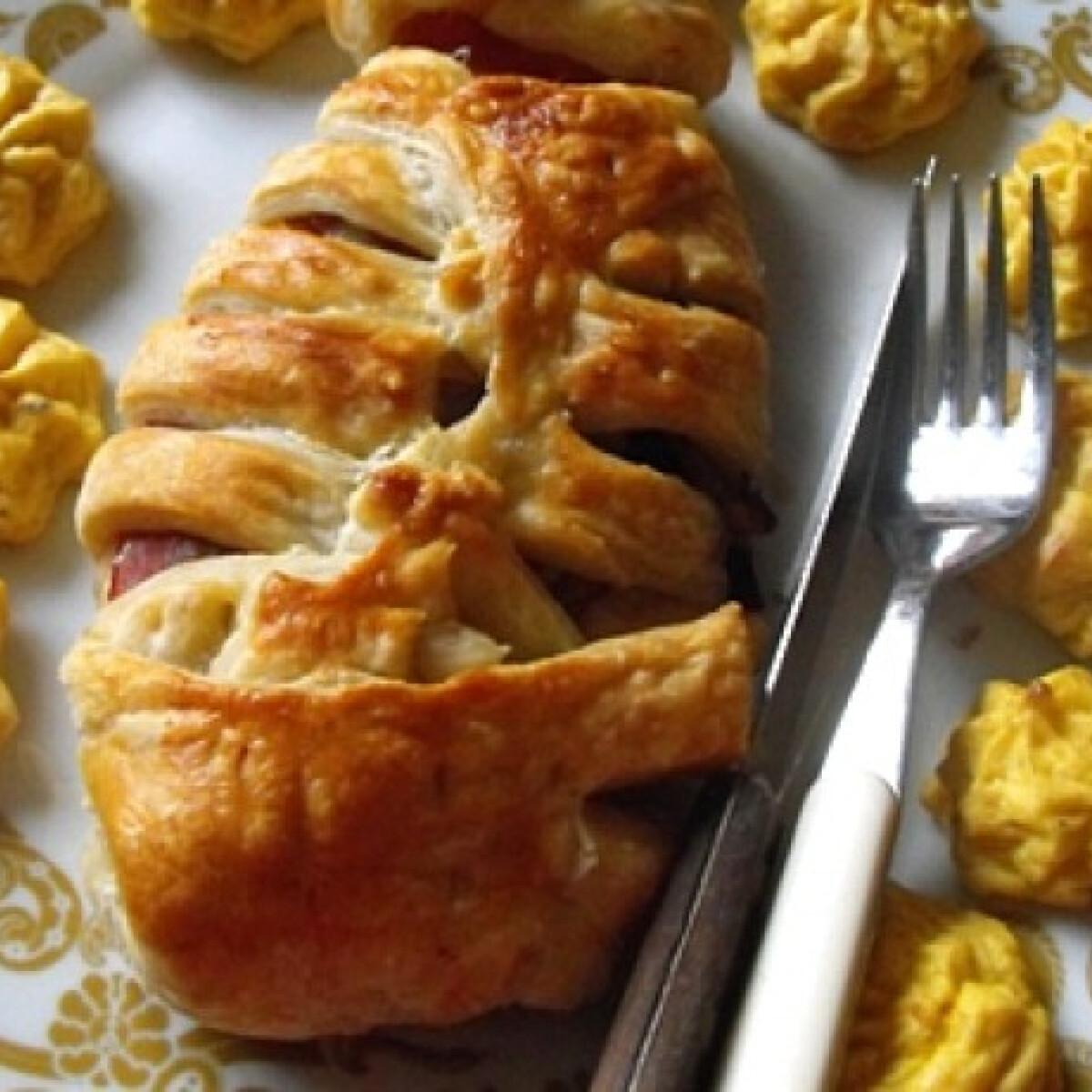 Ezen a képen: Paplanos sonkás-gombás csirkemell
