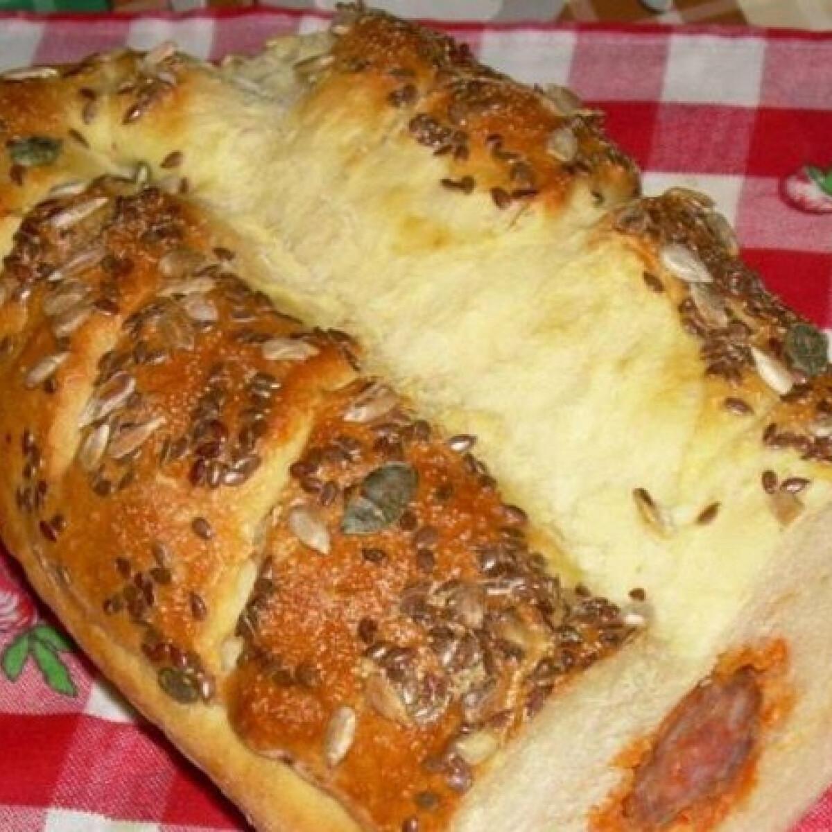Kolbászos kenyér Angelina-Fincsitől