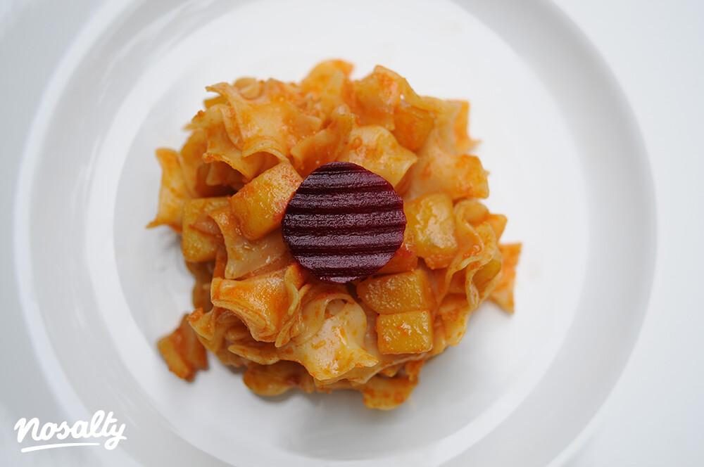 Ezen a képen: Krumplis tészta