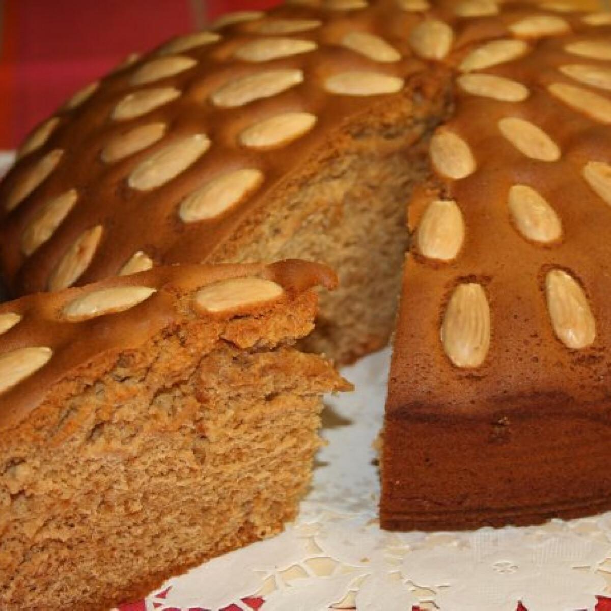 Ezen a képen: Mézeskalács torta