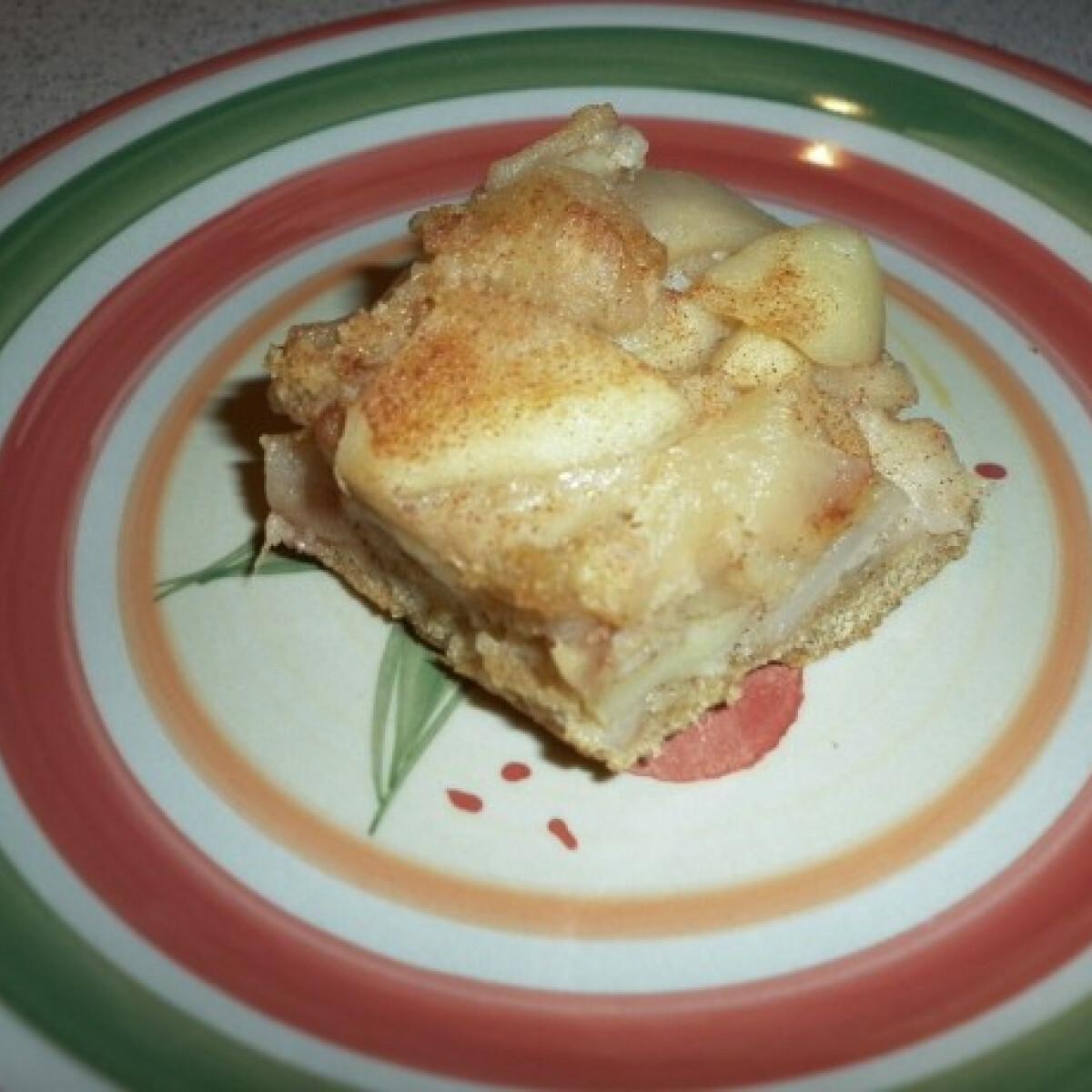 Ezen a képen: Almás torta teljes kiőrlésű lisztből