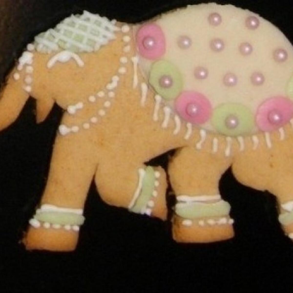 Ezen a képen: Indiai elefántok mézeskalácsból