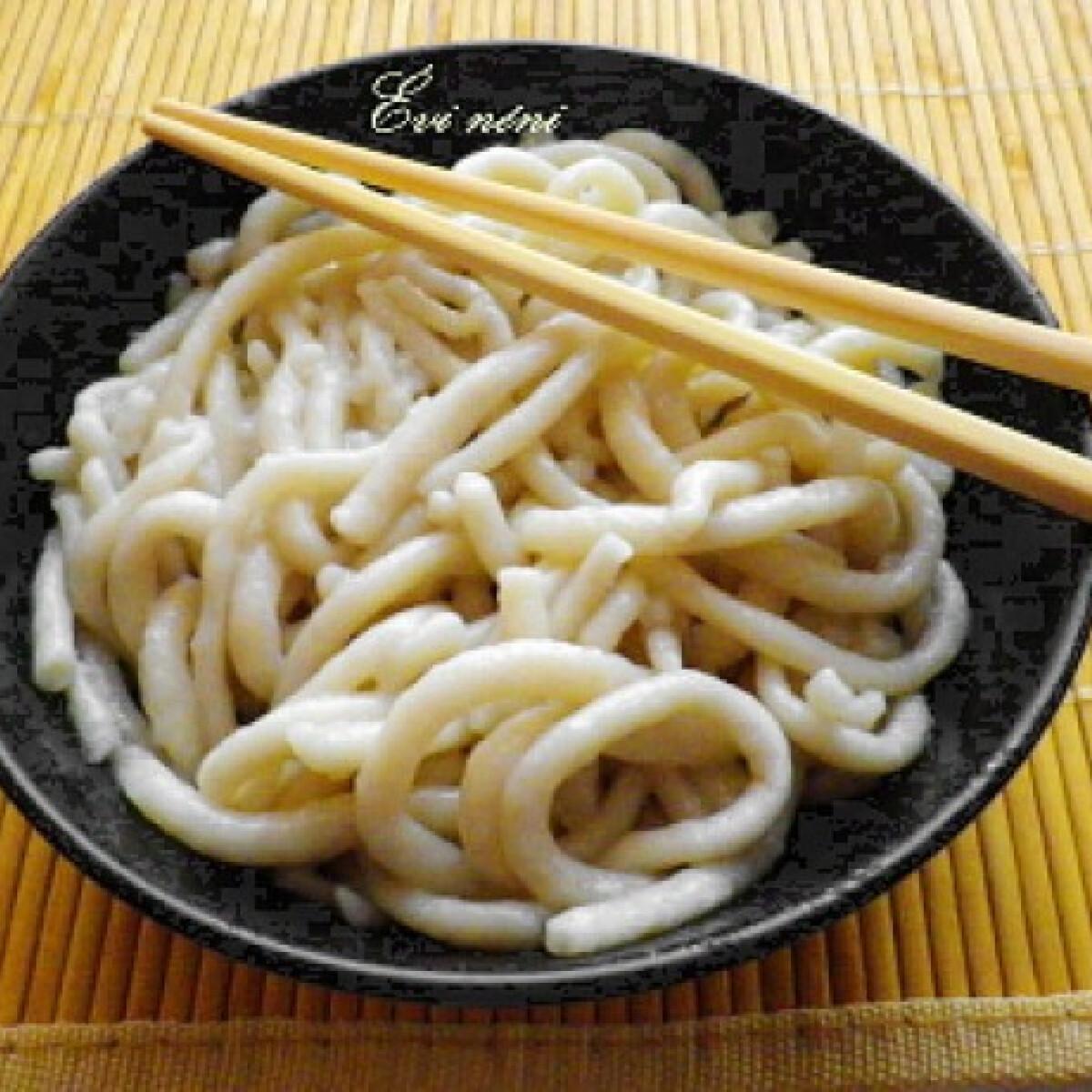 Udon tészta házilag készítve