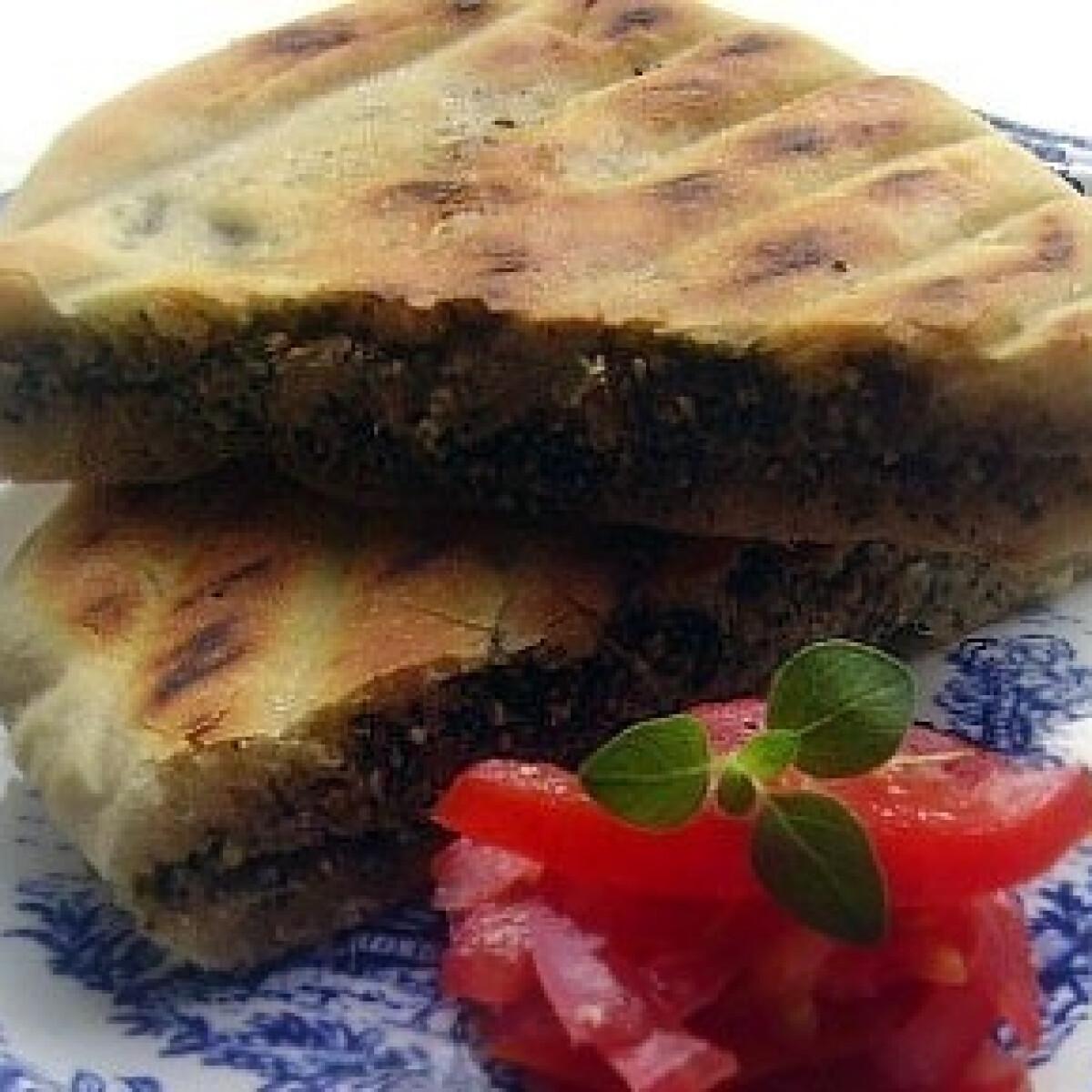 Ezen a képen: Babaganush pitával
