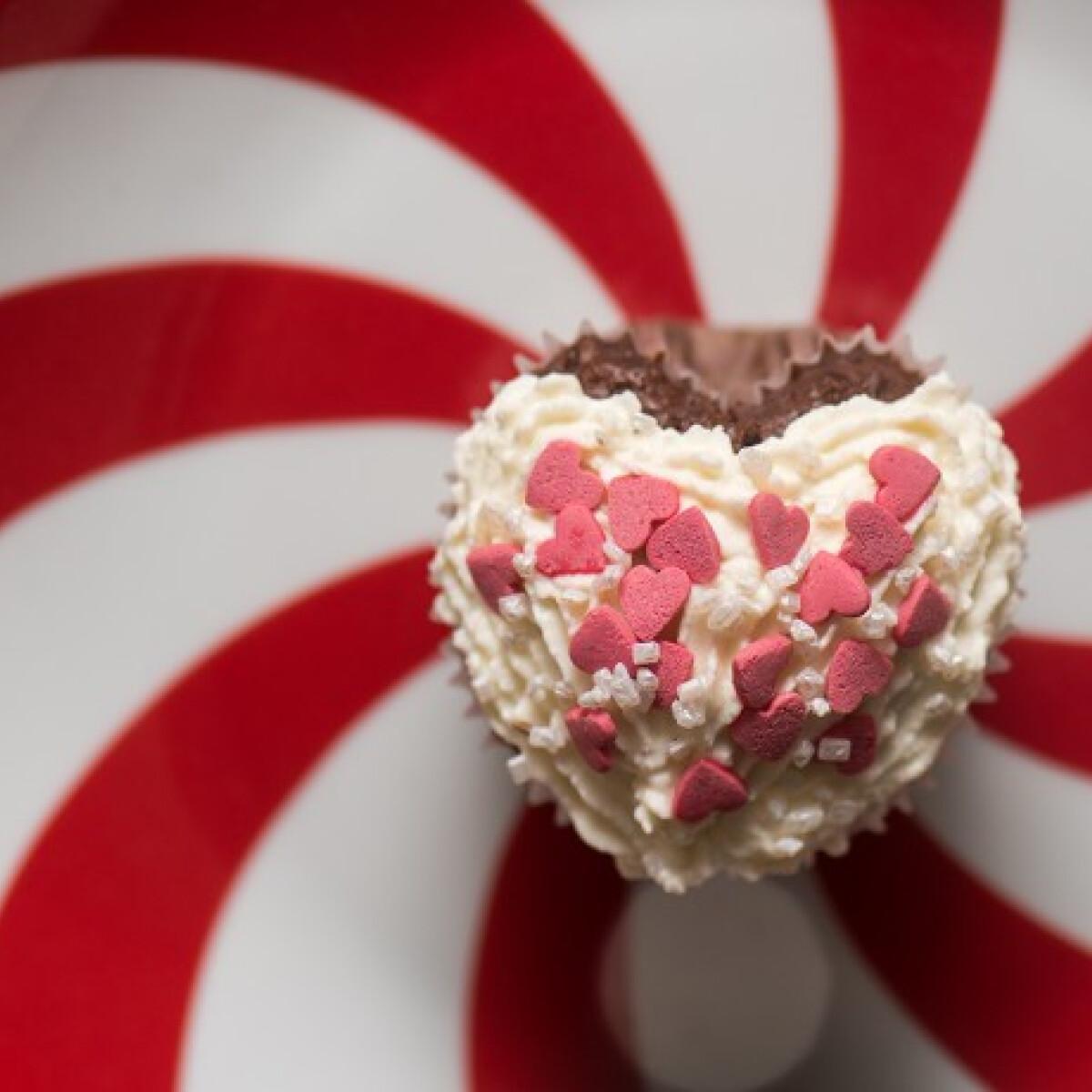 Ezen a képen: Szívalakú muffin