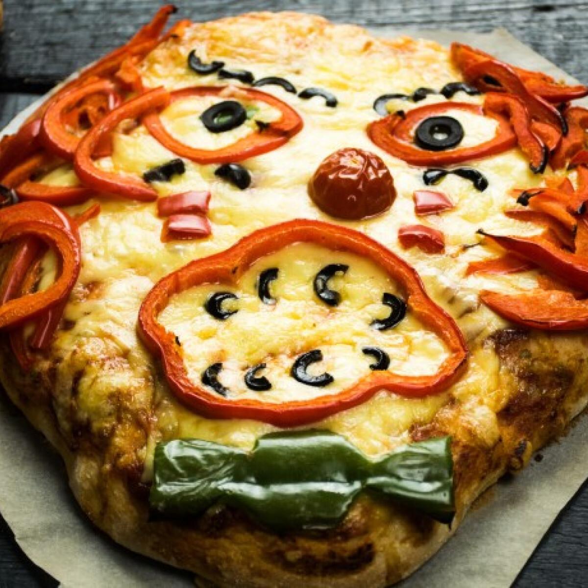 Ezen a képen: Halloweeni pizza