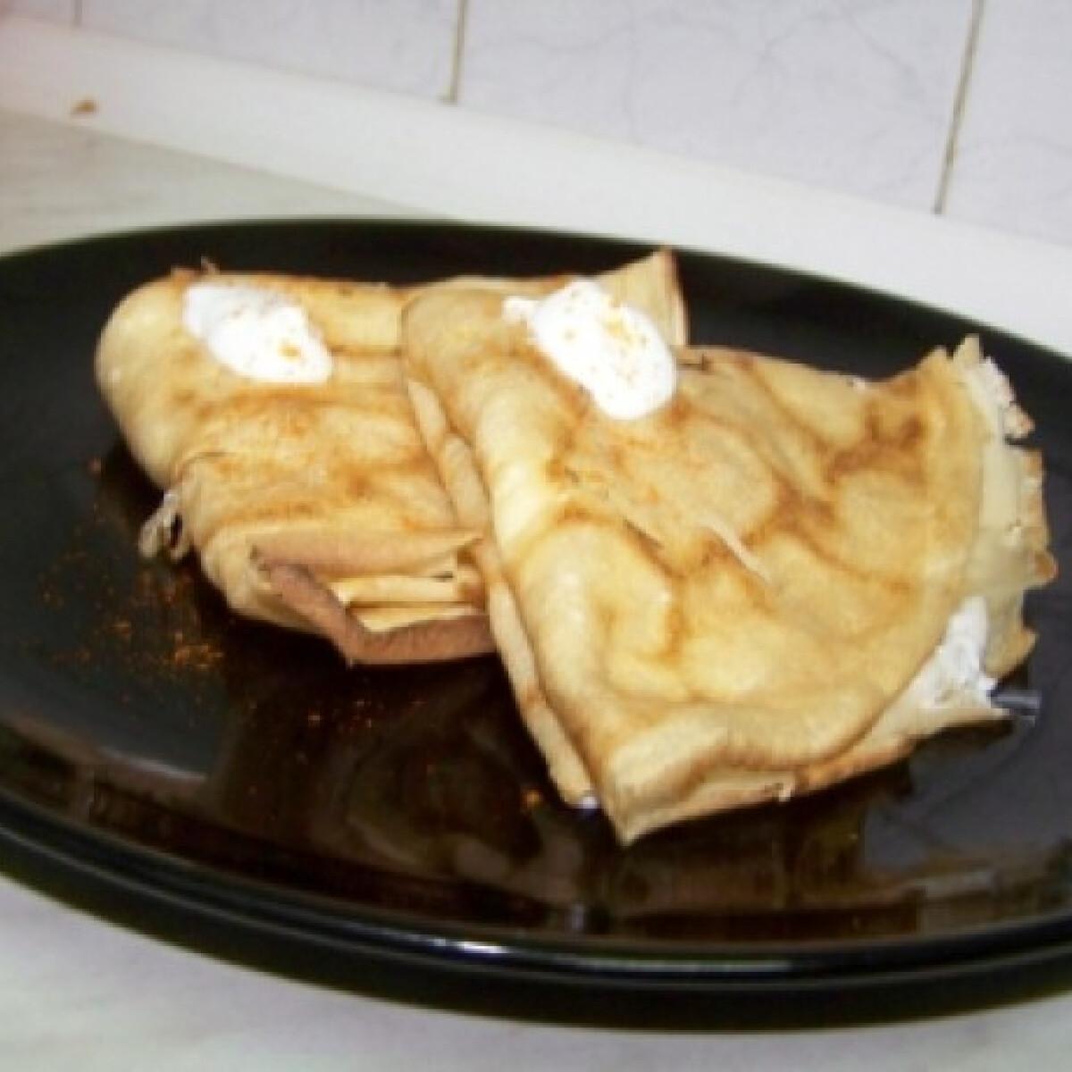 Ezen a képen: Káposztás palacsinta fokhagymás tejföllel