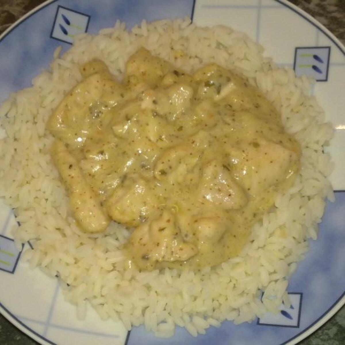 Ezen a képen: Mézes-mustáros csirke