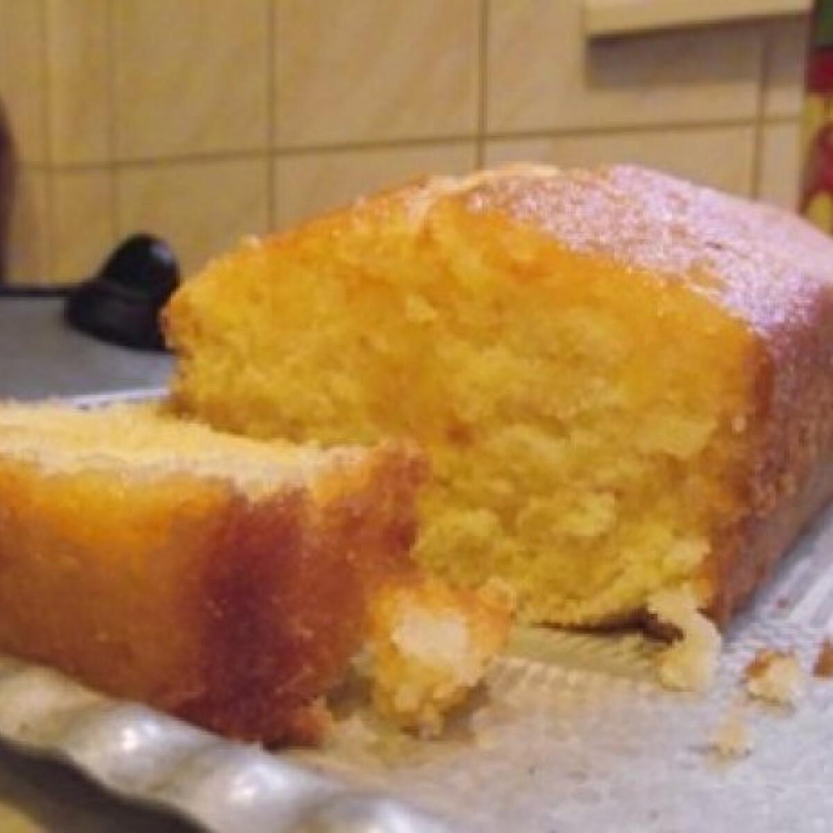 Ezen a képen: Citromszirupos sütemény
