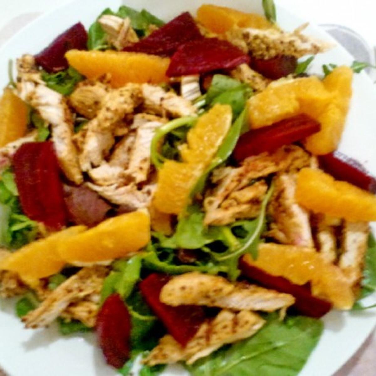 Narancsos-céklás csirkemellsaláta