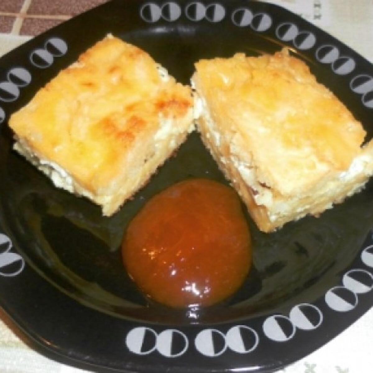 Ezen a képen: Mézes-túrós pite Ella konyhájából