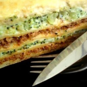 Brokkolis-pulykahúsos ál-lasagne