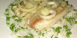 Sült hal párolt borsós rizzsel