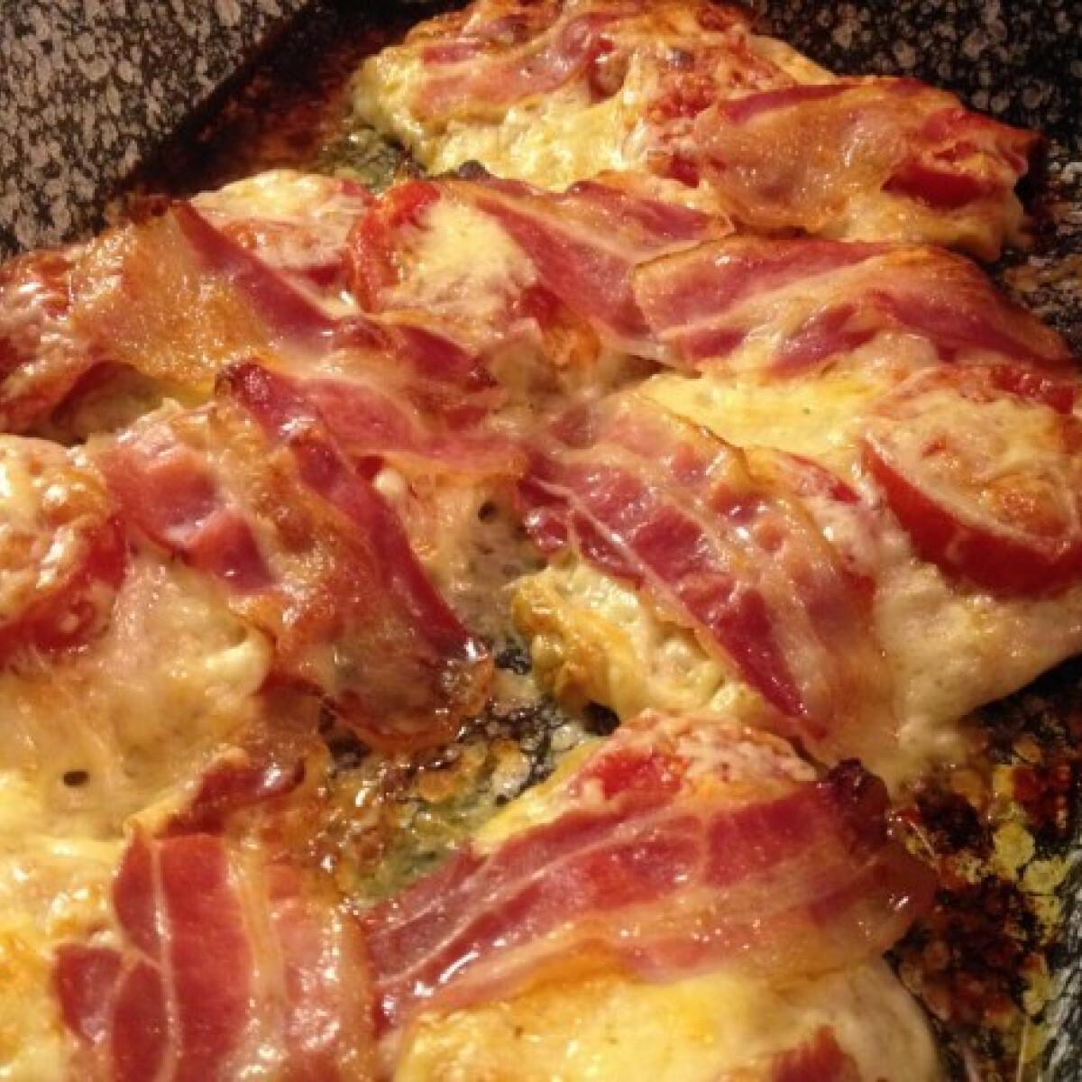 Baconös-paradicsomos csirkemell