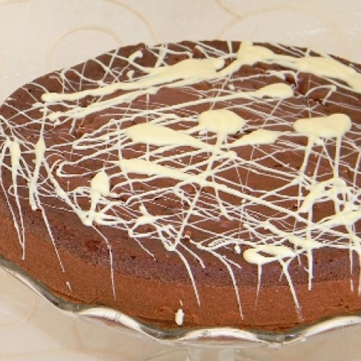 Ezen a képen: Kakaós-banános torta