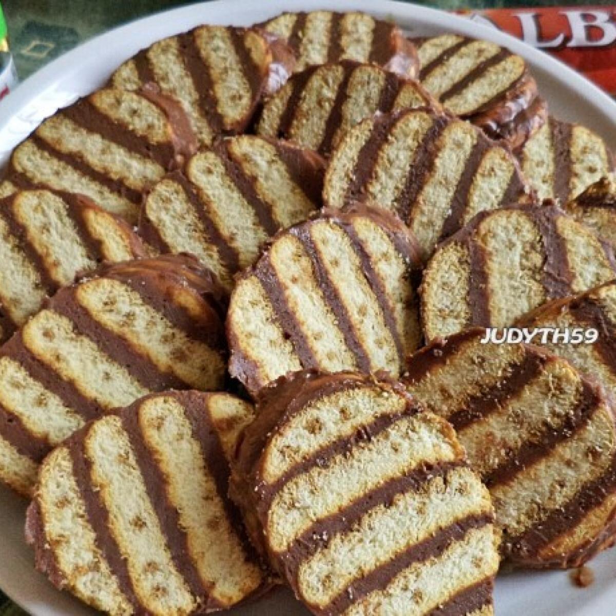 Ezen a képen: Nutellás-mascarponés kekszsüti