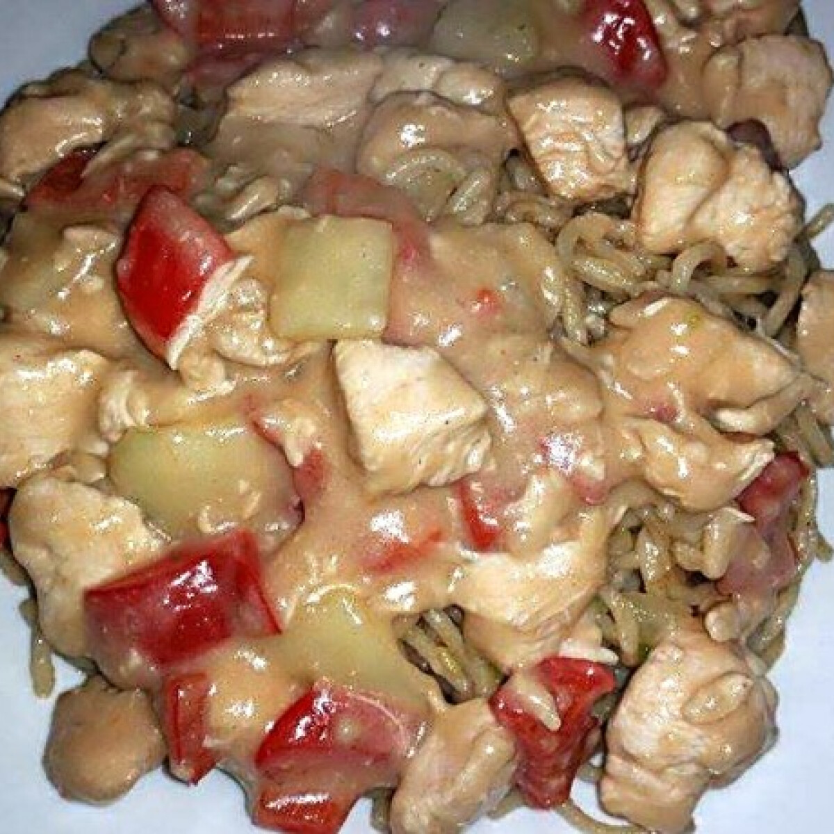 Ezen a képen: Szecsuáni csirke ahogy Linda készíti