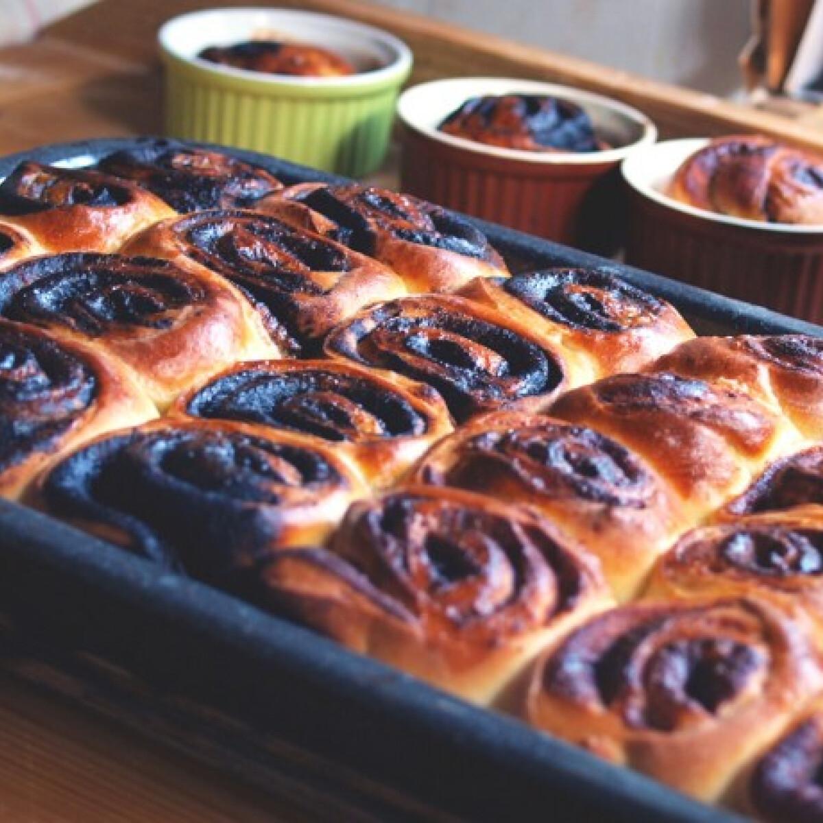 Ezen a képen: Kakaós és fahéjas csiga Fruzsina konyhájából