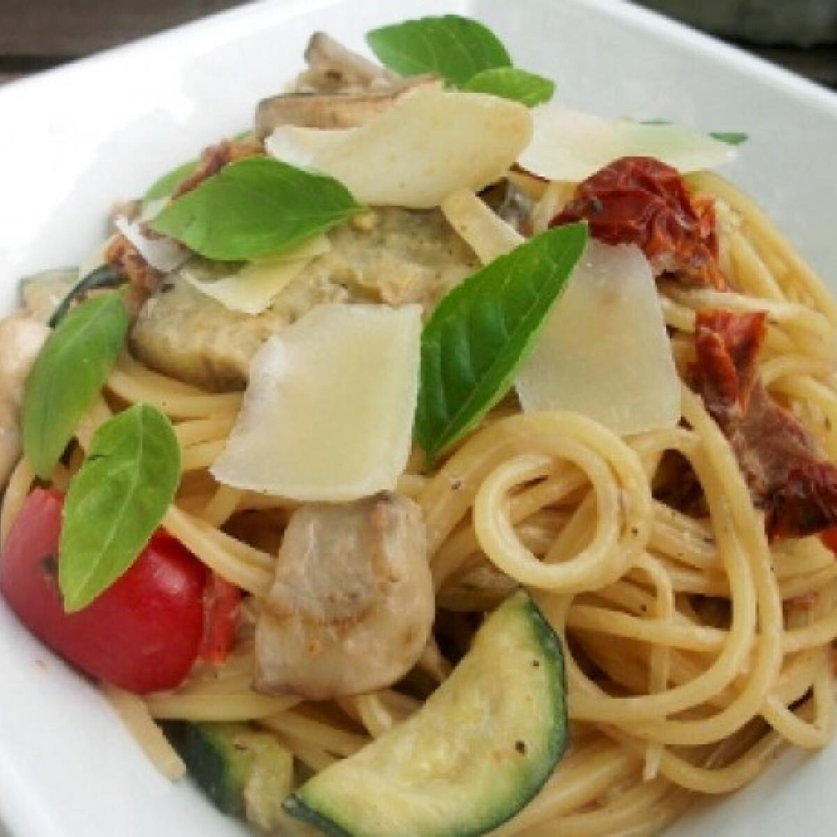 Ezen a képen: Spaghetti di verdure
