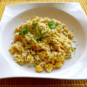 Kókuszos-csicseriborsós-mangós rizs