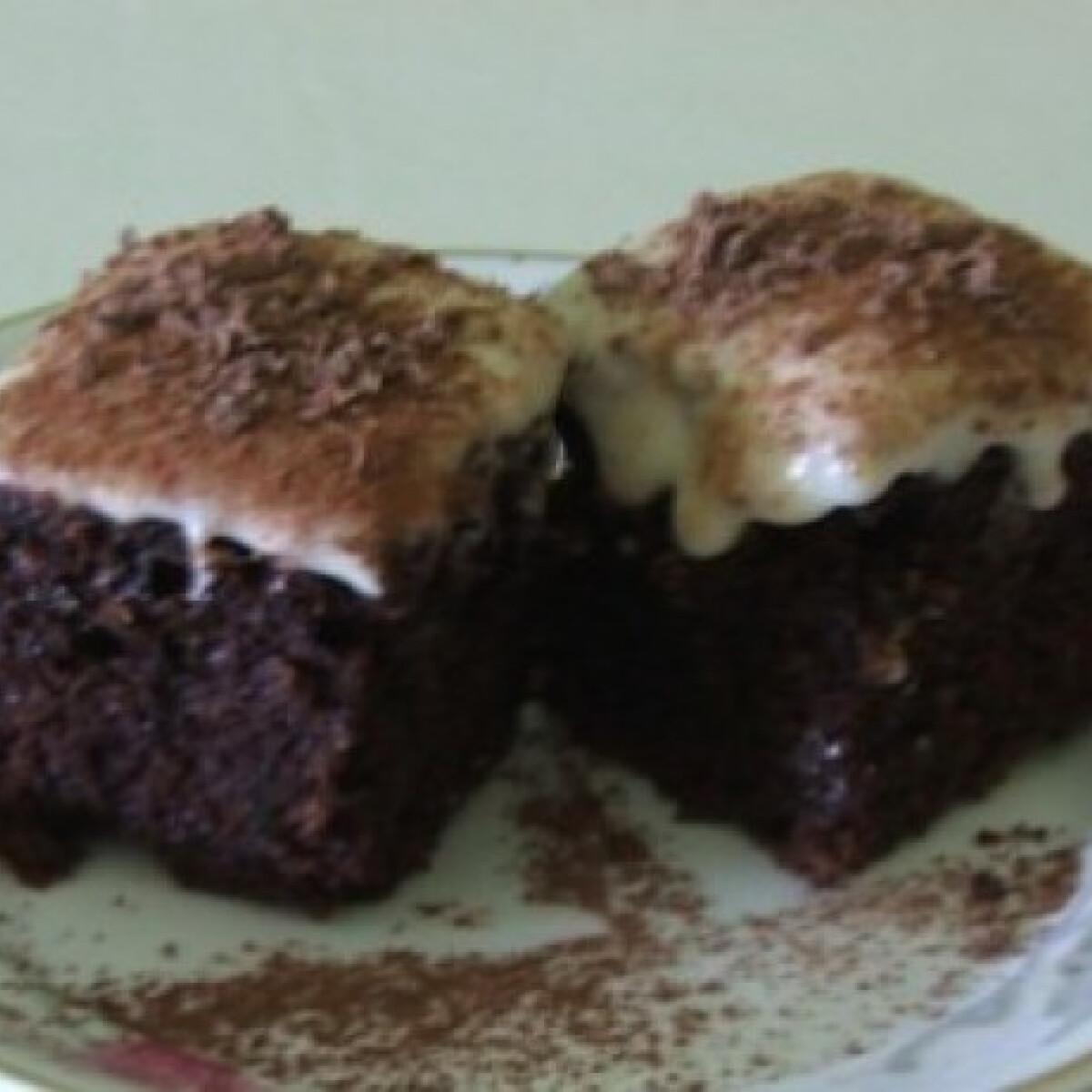 Ezen a képen: Brownie 15.-narancsos krémsajttal