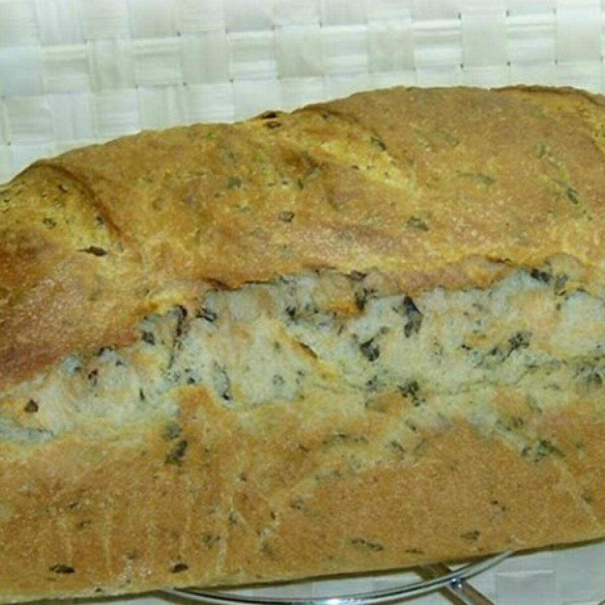 Ezen a képen: Medvehagymás-juhtúrós kenyér