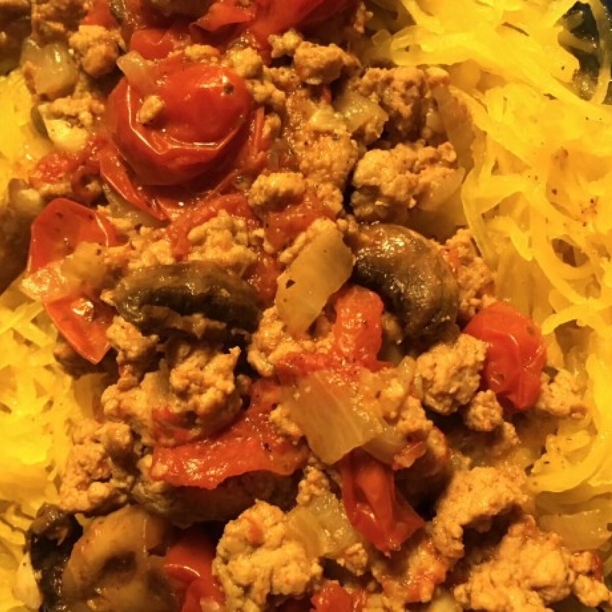 Ezen a képen: Spagettitök pulykás raguval
