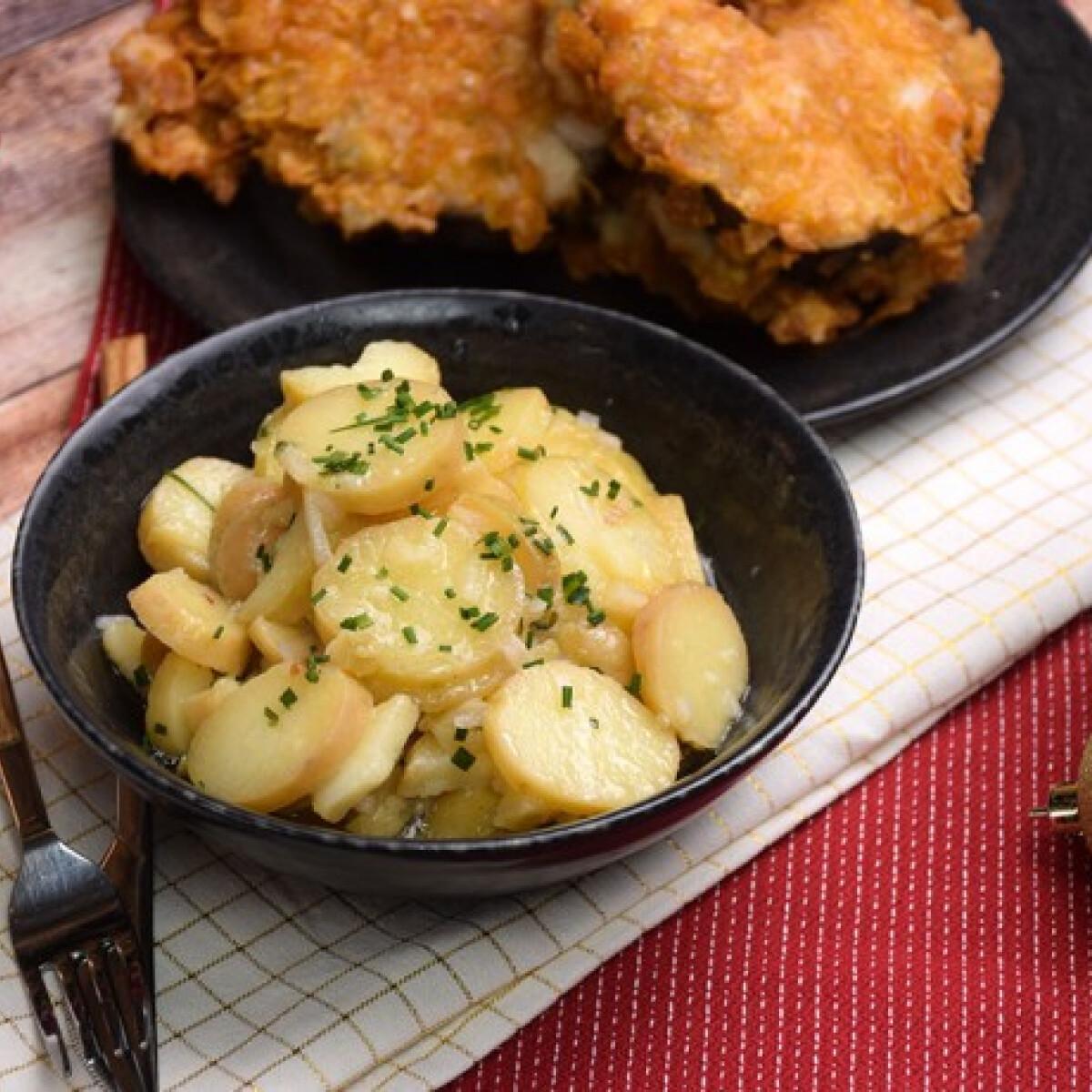 Ezen a képen: Bécsi krumplisaláta