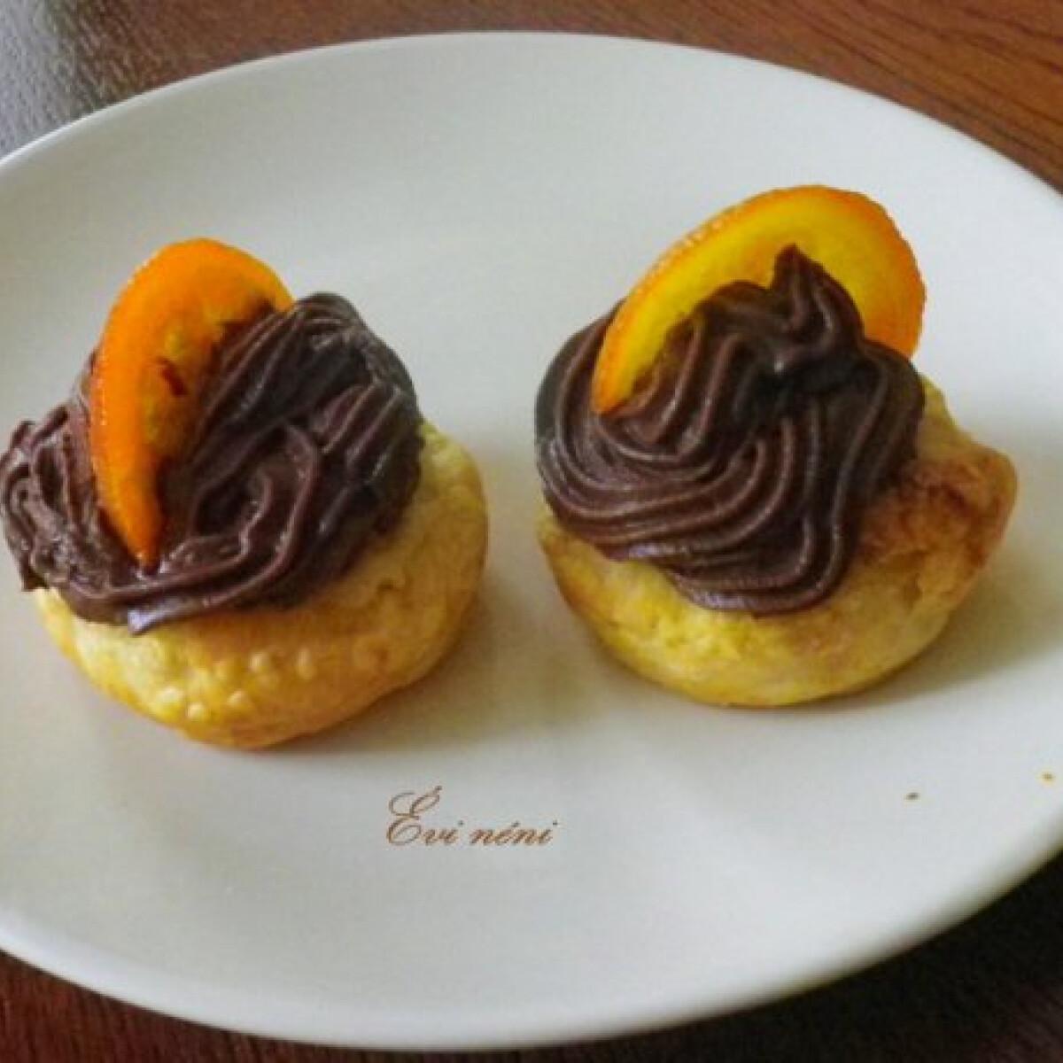 Ezen a képen: Csokoládékrémes kosárka