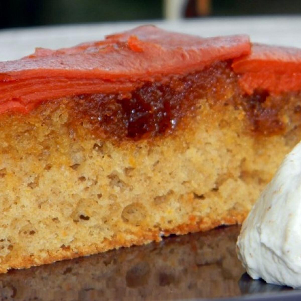 Ezen a képen: Sütőtökös fordított sütemény diós habbal