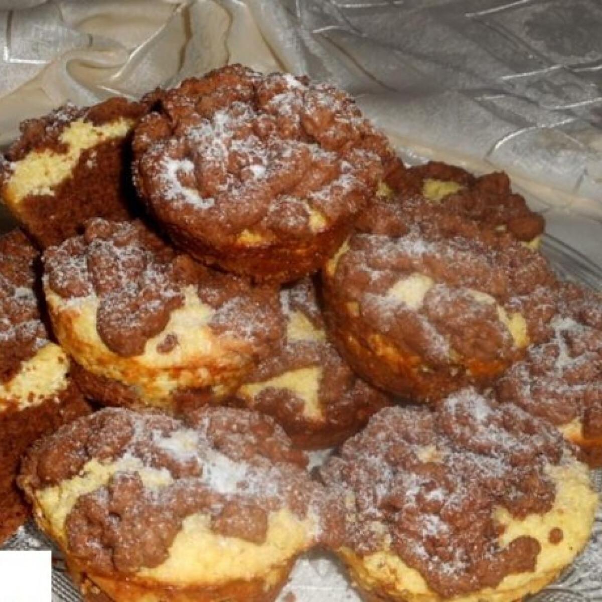 Ezen a képen: Reszelt túrós muffin