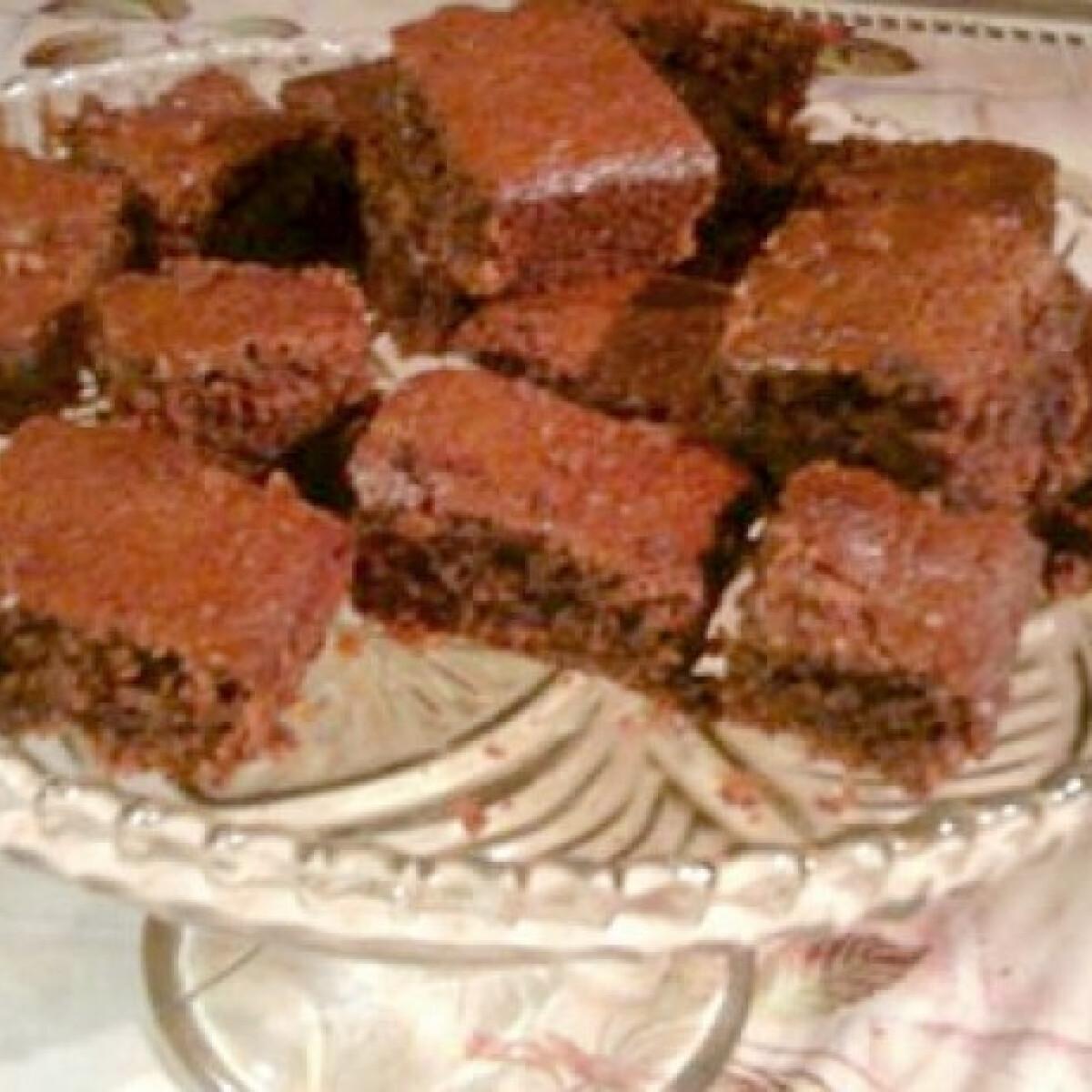 Ezen a képen: Diós brownie reform
