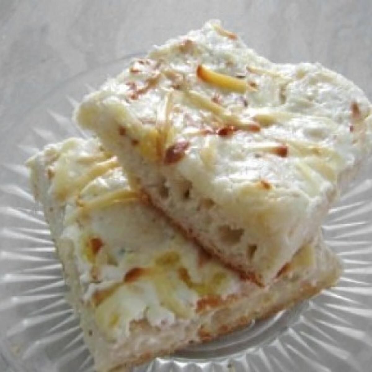 Ezen a képen: Tejfölös-sajtos lepény - Töki pompos